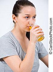 若い女性, 飲むこと, オレンジジュース