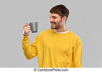 若い, コーヒーカップ, 微笑の人, 幸せ