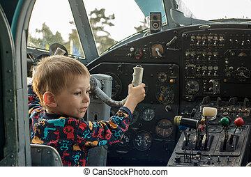 若い, パイロット