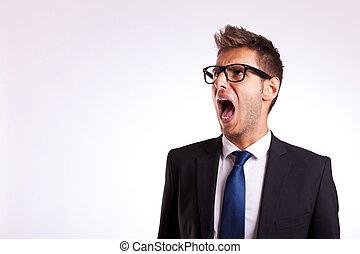 若い, ビジネス男, ∥あるいは∥, 学生, 叫ぶこと