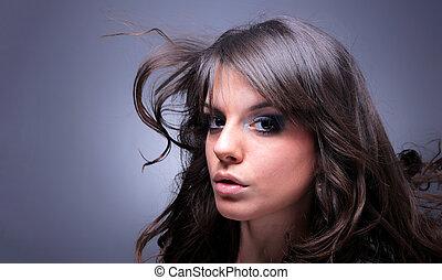若い, ブルネット, 女, ∥で∥, 長い間, 飛行の毛