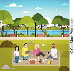 若い, 友人たちのグループ, 週末, ピクニック, パークに, 人々, 屋外で, 草 の 着席, 弛緩