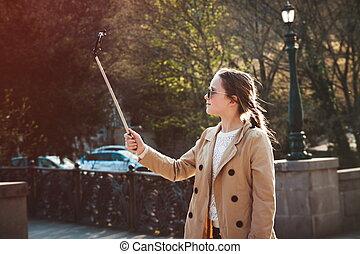 若い 女の子, すること, selfie, パークに