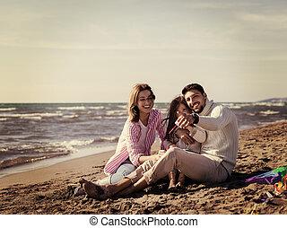 若い 家族, 楽しむ, vecation, の間, 秋日