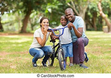 若い, 屋外で, 3, 家族, アフリカ