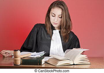 若い, 弁護士