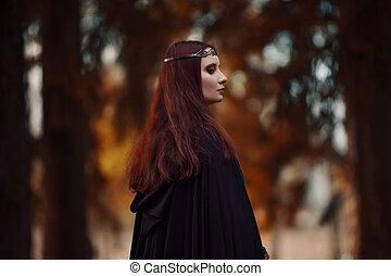 若い, 美しい, そして, 神秘的, 女, 中に, 森, 中に, 黒, 外套, ∥で∥, フード, イメージ, の,...
