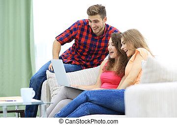 若者達のグループ, 監視, ビデオ, 上に, ∥, laptop.