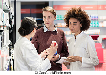 若者, 請求, ∥ために∥, 意見, から, 薬剤師, 見つめること, prescrib