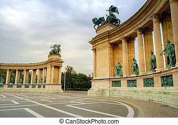 英雄廣場, -, 布達佩斯