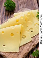 薄く切られたチーズ