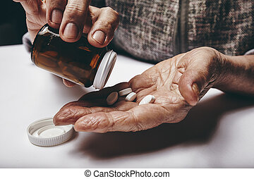 薬, 年長の 女性, 取得