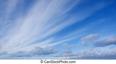 藍色的天空, 由于, 白色, 絨毛狀, 云霧