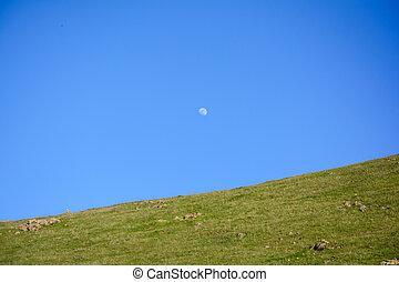 藍色的山, 天空, 上面, 月亮