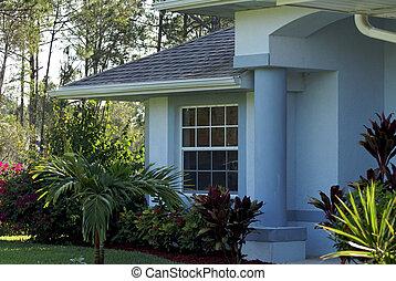 藍色的房子, 白色