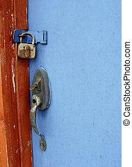 藍色的門, 在, 紅的谷倉