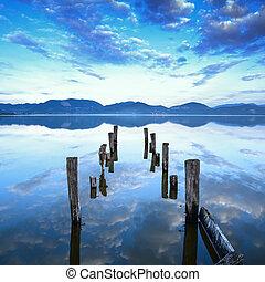 藍色, 或者, italy, 反映, 木制, 天空, 防波堤, tuscany, 仍然是, versilia, 傍晚, water., 碼頭, 湖
