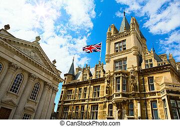 藝術, 大學教育, 劍橋, 英國