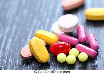 藥丸, 集合