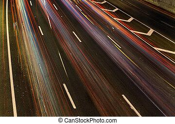 虹, 川の交通