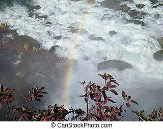 虹, 瓦礫