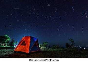 螺旋, 星形蹟標出的山路, 由于, 營地, 夜間