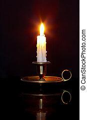 蠟燭, 在, 黃銅, chamberstick