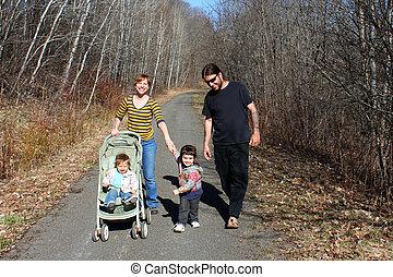行く, 歩きなさい, 家族, 若い