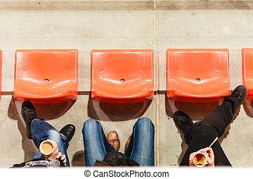 行, ......的, 塑料, 椅子, 以及, 腿, 在, 足球, stadium.