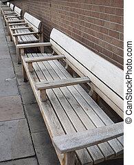 行, ......的, 木制, benches.