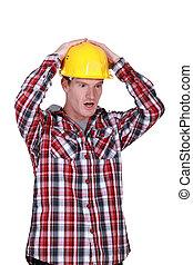 衝撃を与えられた, 建築作業員