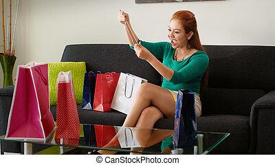 袋子, 购物, 沙发, tries, latina, 项链, 女孩