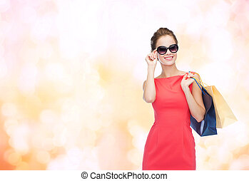 袋, 女性買い物, 優雅である, 微笑, 服