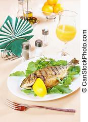 被油炸魚肉, dorada, 上, a, 安排桌子