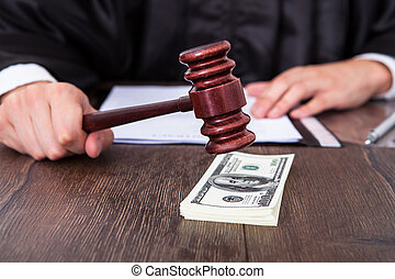 裁判官, ヒッティング, ドル, 木槌