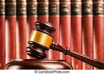 裁判官, 小槌, ∥で∥, defocussed, 法律書, の後ろ