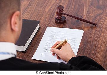 裁判官, 署名文書, 中に, 法廷