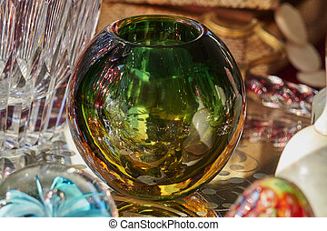 装飾用である, ガラス玉