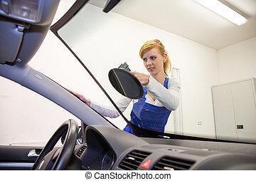 裝玻璃工人, 替換, 擋風玻璃, 或者, 擋風玻璃, 上, a, 汽車, 在, 車庫