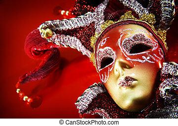 裝飾華麗, 狂歡節面罩, 在上方, 紅色, 背景。