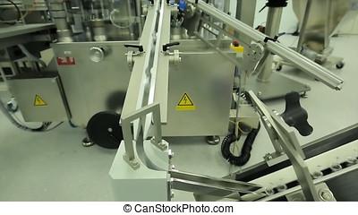 製造, industry., machine., 瓶子, 傳達, 片劑, 配藥, 工人, syringes., 操作, 包裝, 玻璃, 箱子, 機器, ampoules, factory., pharmaceutics., 線, syringe., 水泡