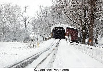 覆われた 橋, 中に, 雪