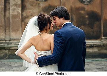 見なさい, 花婿, 抱き合う, の後ろ, デリケートである, 花嫁, ウエスト