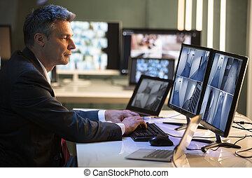 見る, ビジネスマン, フィート数, カメラ, cctv