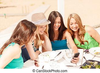 見る, 浜, カフェ, smartphone, 女の子