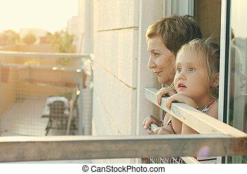 見る, 祖母, 窓, 孫, 彼女