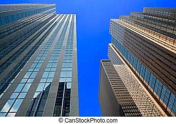 ∥見上げる∥において∥, ∥, 超高層ビル