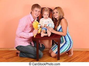 親, ∥で∥, 息子, 上に, 椅子, 中に, ピンク部屋
