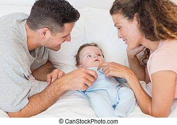 親, 男の赤ん坊, 遊び, 幸せ