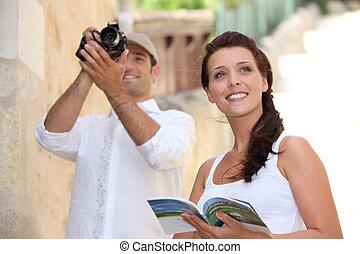 観光客, 写真うつりする, 記念碑